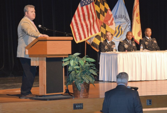 Personnel reduction session draws 500+