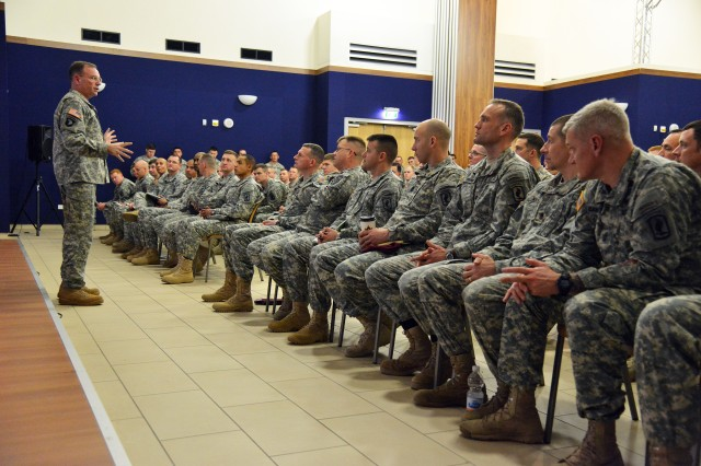 USAREUR commander visits with Sky Soldiers in Vicenza