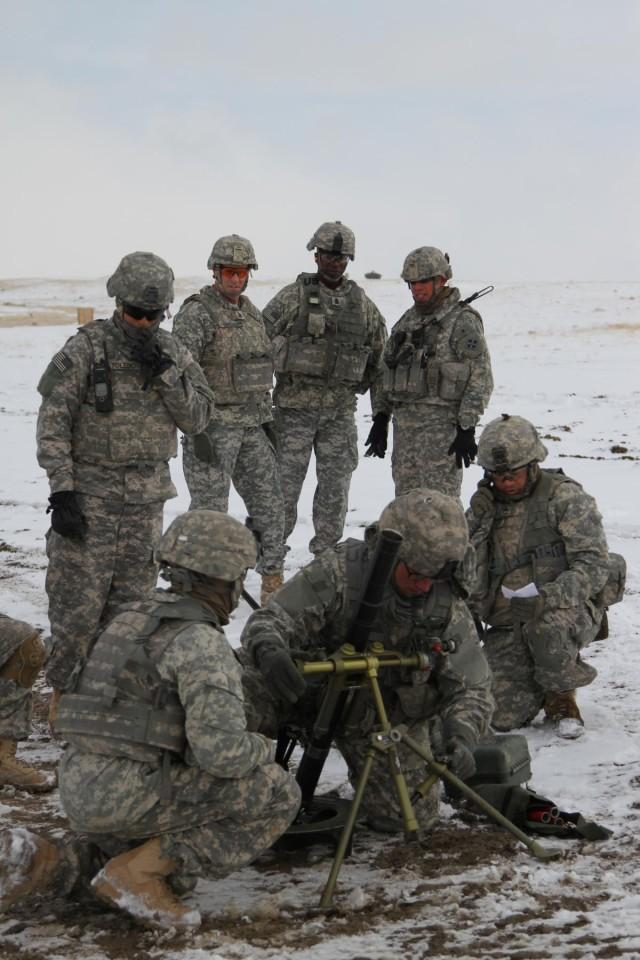 Carson troops host FORSCOM CSM
