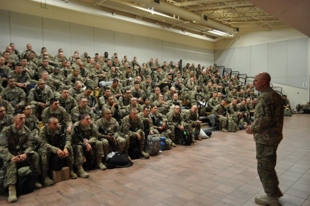 Reserve engineers deploy to Middle East