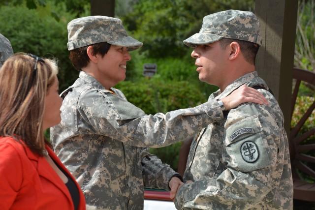 Fort Hood shooting survivor receives highest non-combat honor for valor
