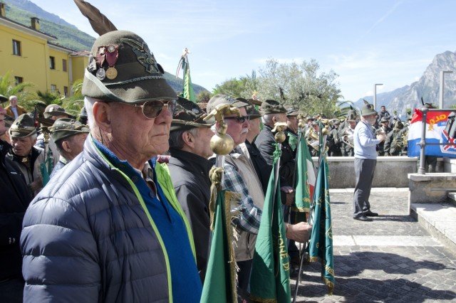 173rd airborne paratroopers honor usitalian wwii