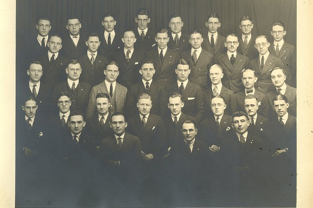 Photo of William Shemin (first row, right) and the first graduating class of New York State Ranger School, 1914.