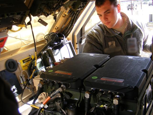 Army's mid-tier radio advances battlefield network