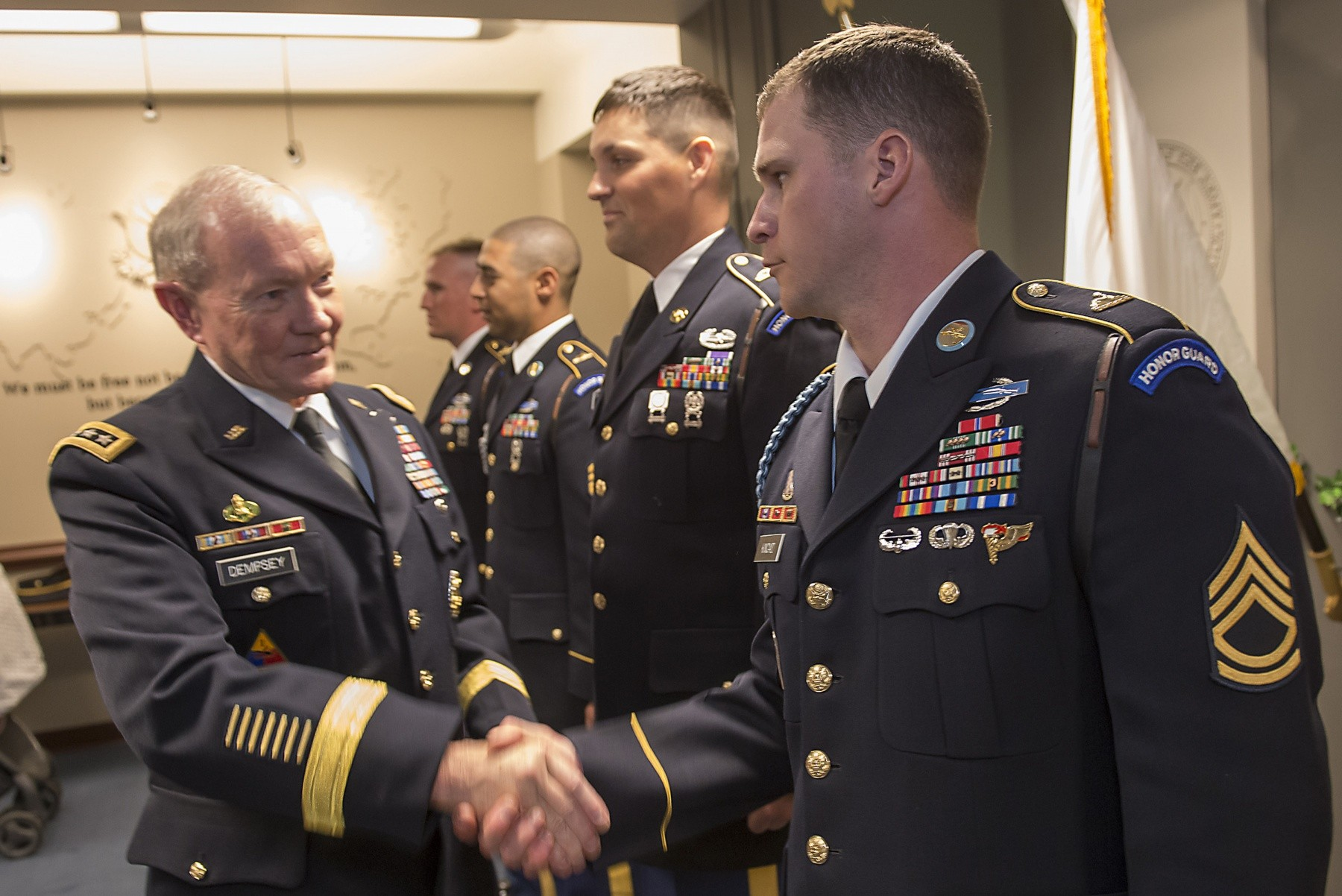 Chairman of the joint chiefs of staff re enlists tog for Chair joint chiefs of staff