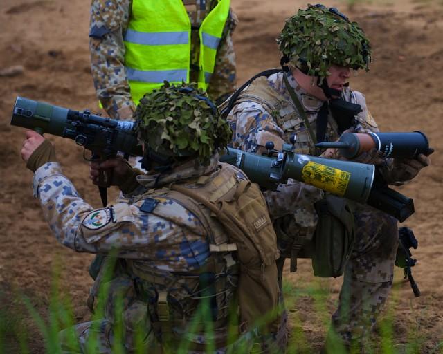 U.S, Latvia hold joint gunnery