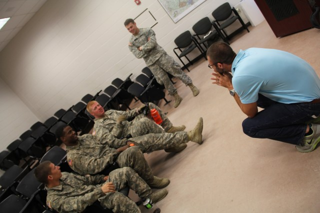 CSF2 Performance Expert discusses mental skills with a crew going through Bradley crew qualification.