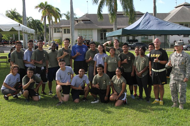 FORT SHAFTER, Hawaii—U.S. Army Pacific Commanding General, Gen. Vincent K. Brooks posed with future Soldiers after a 1.5-mile Family Fun Run at historic Palm Circle, June 8. The future recruits received an opportunity to see what Army-life is like before going to basic training. (U.S. Army photo by Staff Sgt. Kyle J. Richardson, USARPAC PAO)