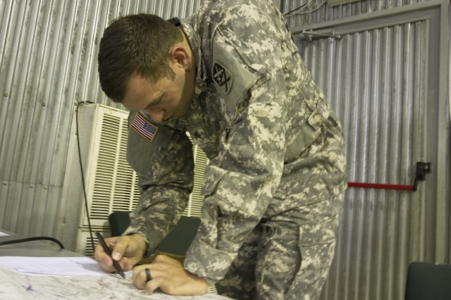 Multinational Battle GroupEast Soldiers Compete To Be Named - Us army map reading