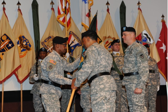 ACC welcomes new commander | Article | The United States Army