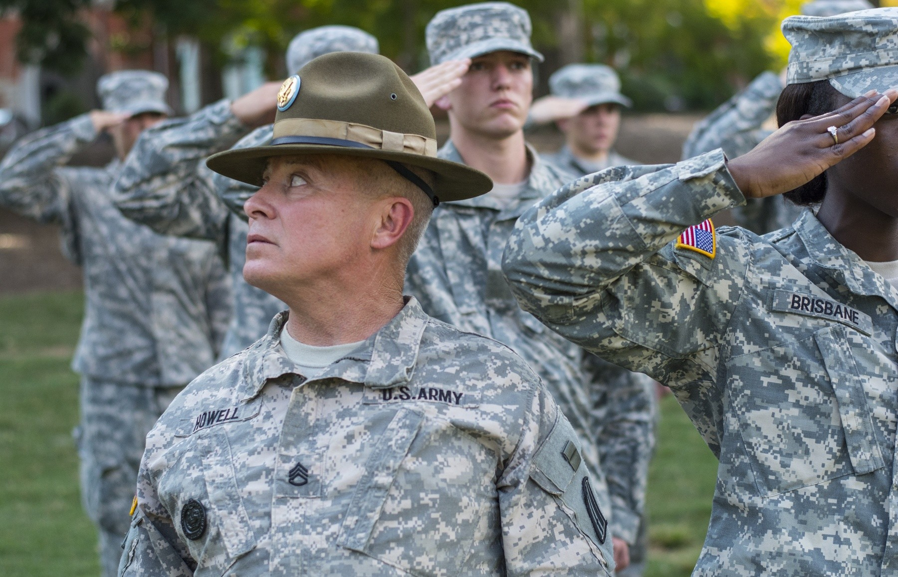 Drill Sergeant Teaches The Salute Article The United