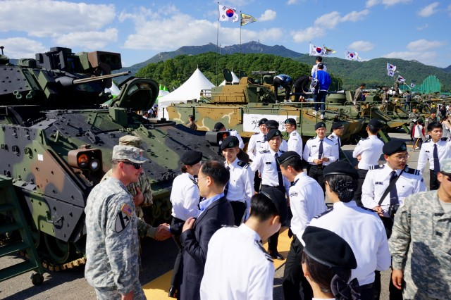 South Korean cadets get a close up look at a U.S. Bradley Fighting Vehicle at the 2015 Republic of Korea Ground Forces Festival in Gyeryong, South Korea Oct. 2, 2015.