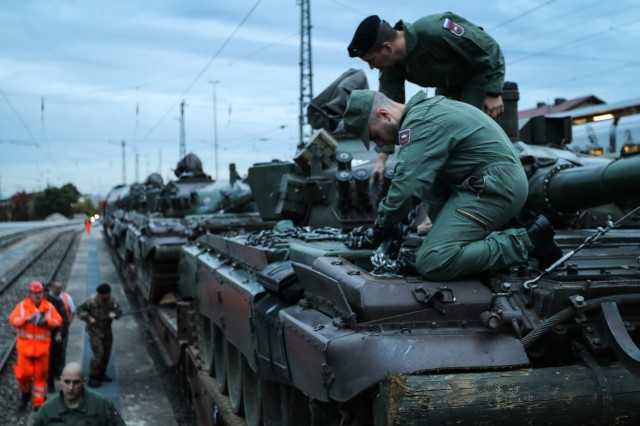 Slovenian tanks join the fleet at the Joint Multinational ...
