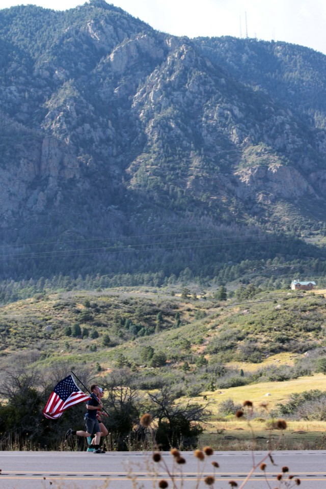 'Rock' Soldiers run Old Glory Relay