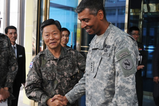 Gen. Vincent K. Brooks, U.S. Army Pacific, commanding general, meets with Gen. Jang Joon-Kyu, Chief of Staff of the Republic of Korea Army, Oct. 21 at the ROK Ministry of Defense in Seoul, South Korea. The MND was one of several stops in Korea during Brooks' tour of the region.