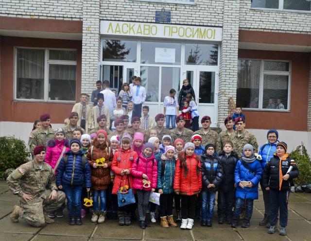 Sky Soldiers strengthen bonds with Ukrainian school children
