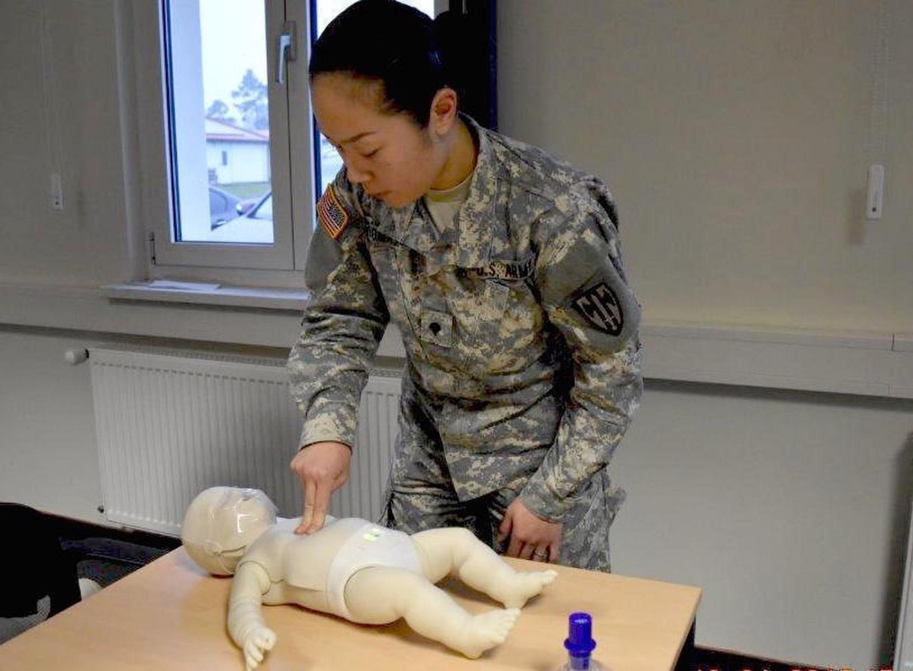 Military Police Learn Cpr Article The United States Army