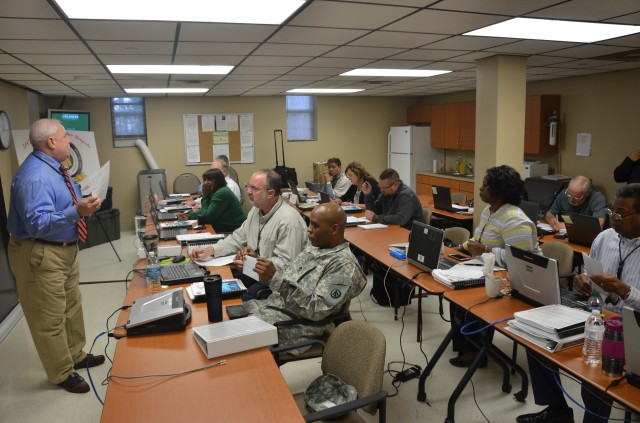 USTRANSCOM and SDDC instructors provide contracting and scheduling training