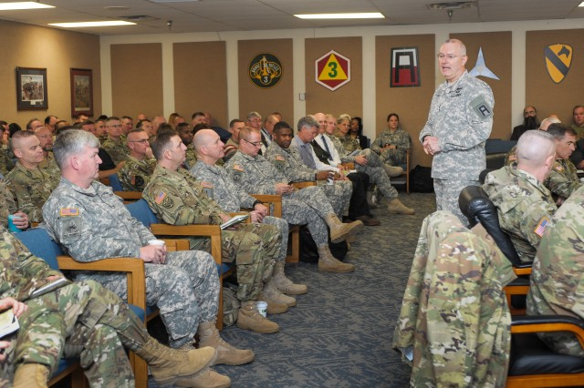 Lt. Gen. Michael Tucker, First Army commanding general, leads a discussion during the final session of the First Army Mobilization Summit on Fort Hood, Texas, Feb. 4, 2016.