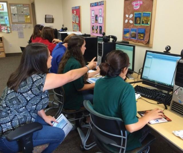 Hawaii students move ahead online