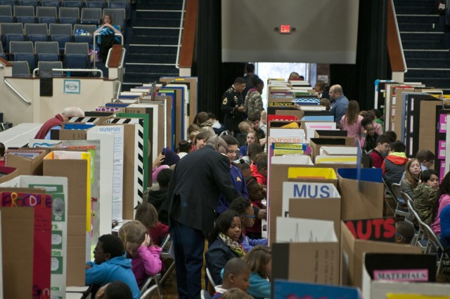 U.S. Army Reserve Soldiers and civilians with the 412th Theater Engineer Command judged the district science fair at the Vicksburg Auditorium in Vicksburg, Miss., Feb. 23 to 24. (U.S. Army photo by Staff Sgt. Debralee Best)