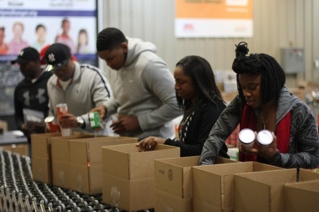 Soldiers citizens volunteers article the united for Americas second harvest