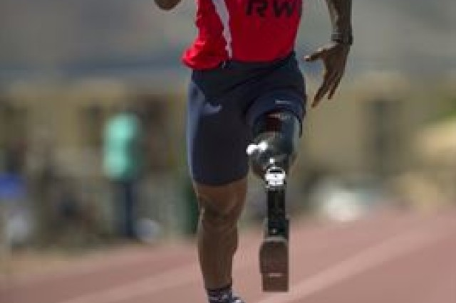 Retired Army Capt. Will Reynolds races in the Army Trials at Fort Bliss in El Paso, Texas, April 1, 2015. Athletes in the trials were competing for a spot on the Army's team in the 2015 Department of Defense Warrior Games.