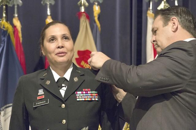 Picatinny Arsenal S First Female Garrison Commander