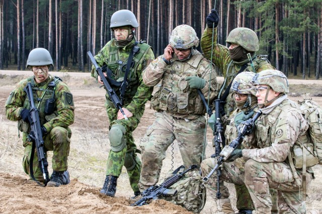 US, Lithuanians conduct assault on airfield