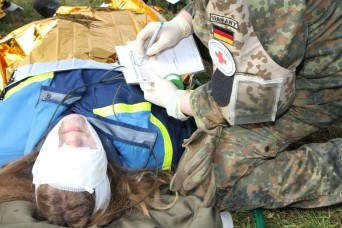 Simulated earthquake tests U.S. Army Reserve and German disaster responders