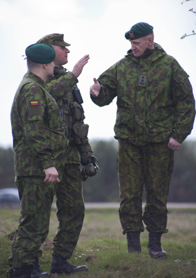 Maj. Gen. Leika speaks to Lithuanian soldiers about training
