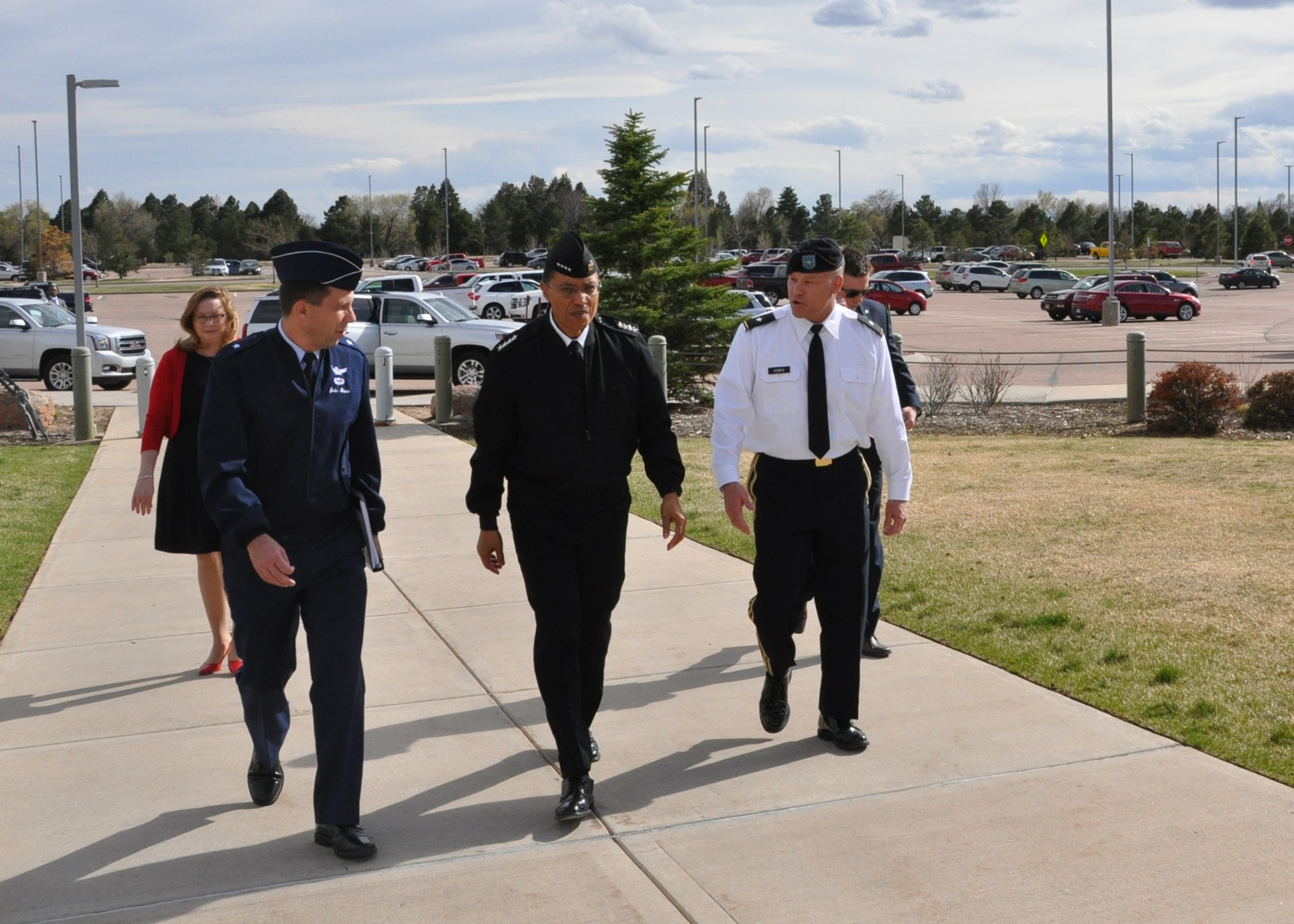 USSTRATCOM commander tours SMDC facilities | Article | The