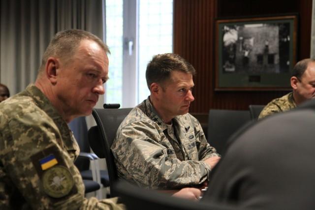 Ukrainian General meets with SOCEUR CG