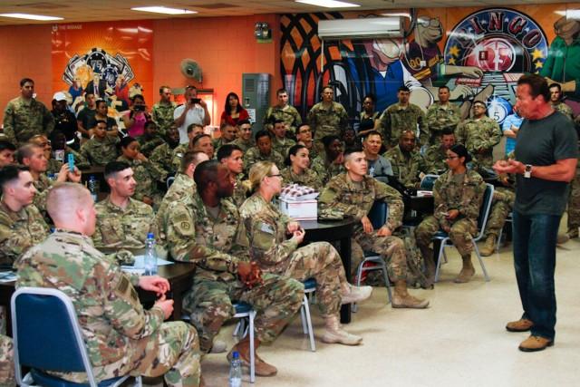 Schwarzenegger tours Army green energy in Kuwait