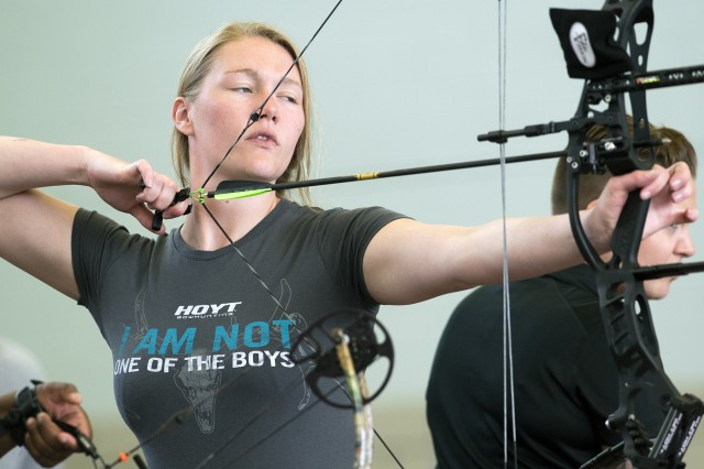 Former Army Spc. Chasity Kuczer shoots her way to gold at the 2015 DoD Warrior Games. She will try to garner more gold in archery at the Invictus Games May 8-12.