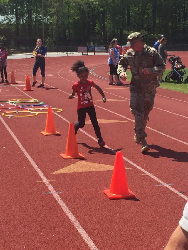 Soldiers support George Green Field Day - Newport News, Va., April 25, 2016