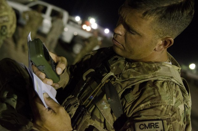 USARCENT Soldier uses GPS/DAGR system