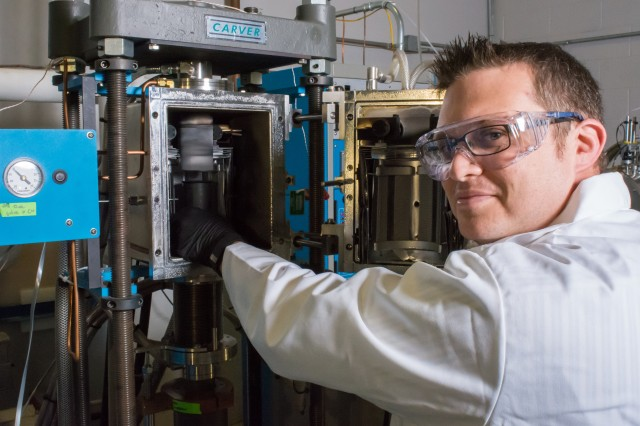 Army researchers collaborate with industry on next-generation ceramics