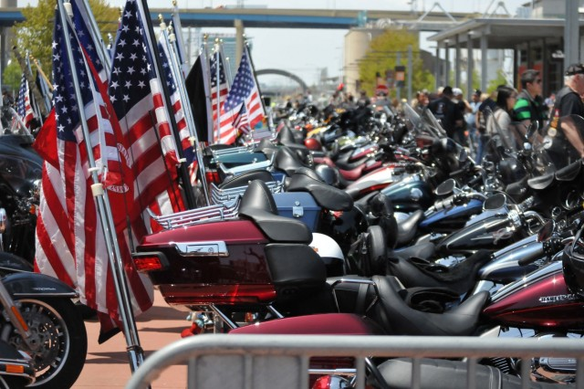 About 500 motorcycles line up for the 13th Annual Support the Troops Ride as part of the Milwaukee Armed Forces Day event May 21. (Photo by Spc. Brianna Saville)