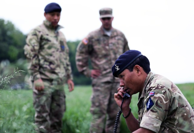 US Army signal Soldiers build interoperability, relationships with UK Allies