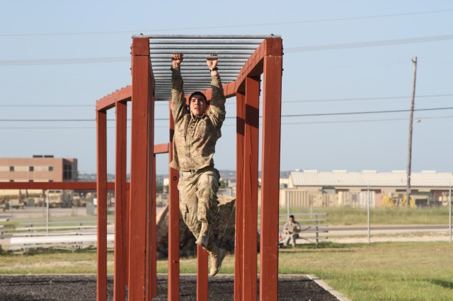 Tucson Soldier contends for top honors in III Corps Best Warrior Competition