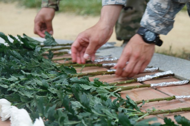 Soldiers, Korean veterans pay respect to fallen brothers in arms