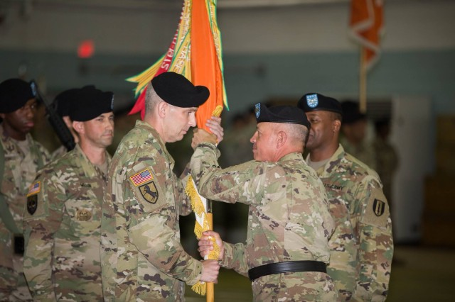1st Signal Welcomes 31st Commander