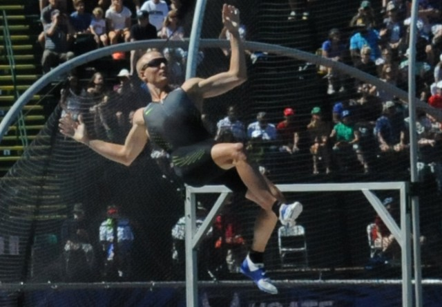 Soldier vaults to U.S. Olympic team, breaks trial record