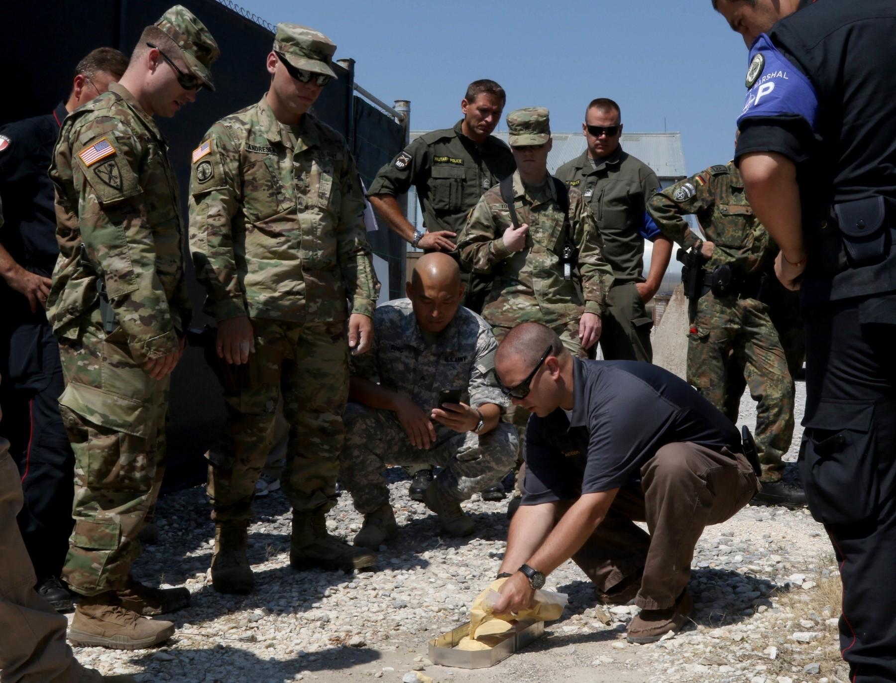 Csi Kosovo Deployed Soldiers Learn Forensic Evidence Collection Article The United States Army