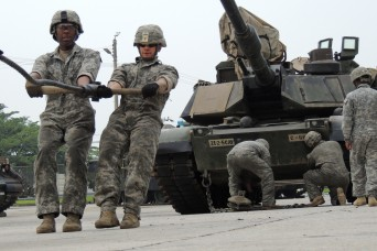 Army mechanics push themselves with maintenance competition