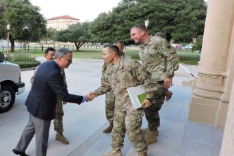 U.S. Ambassador to Panama Visits Army South