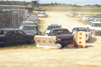 Students learn evasive driving skills in unique DOD, Army course