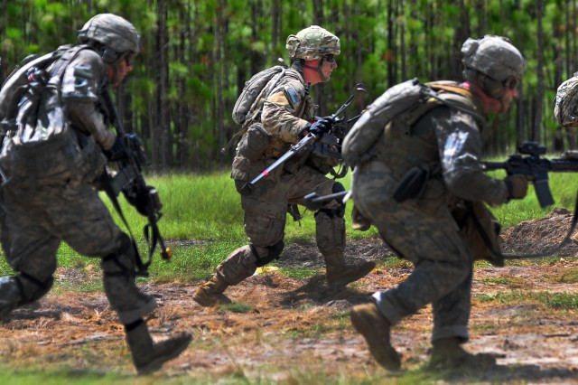 Paratroopers assigned to the 2nd Battalion, 325th Infantry Regiment, 2nd Brigade Combat Team, 82nd Airborne Division, move to provide supporting fire during a Combined Arms Live Fire Exercise (CALFEX) on Fort Bragg, North Carolina, Aug. 9, 2016. The BCT conducted the CALFEX in preparation for battalion-level live fire exercises later this year, keeping Paratroopers ready to jump, fight and win.