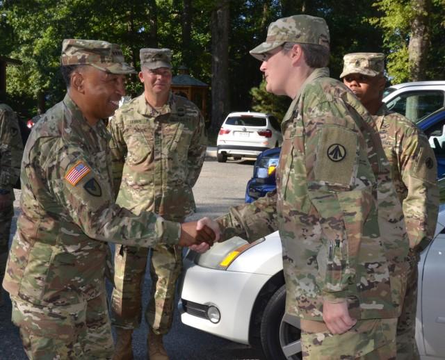 GEN Via visits 597th Transportation Brigade